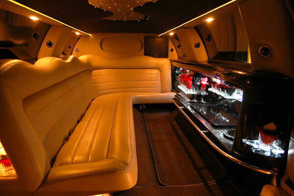 8 Person Lincoln Limo Service Dallas